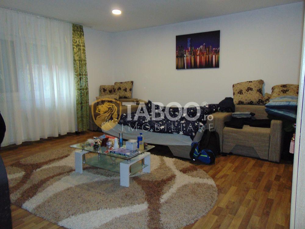 Casa cu 3 camere si 500 mp teren de vanzare zona Lazaret in Sibiu 1
