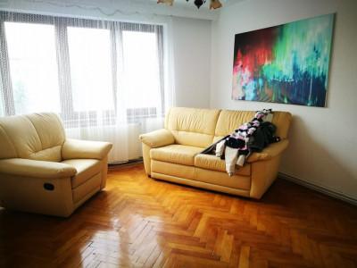 Apartament cu 2 camere si balcon de inchiriat Terezian