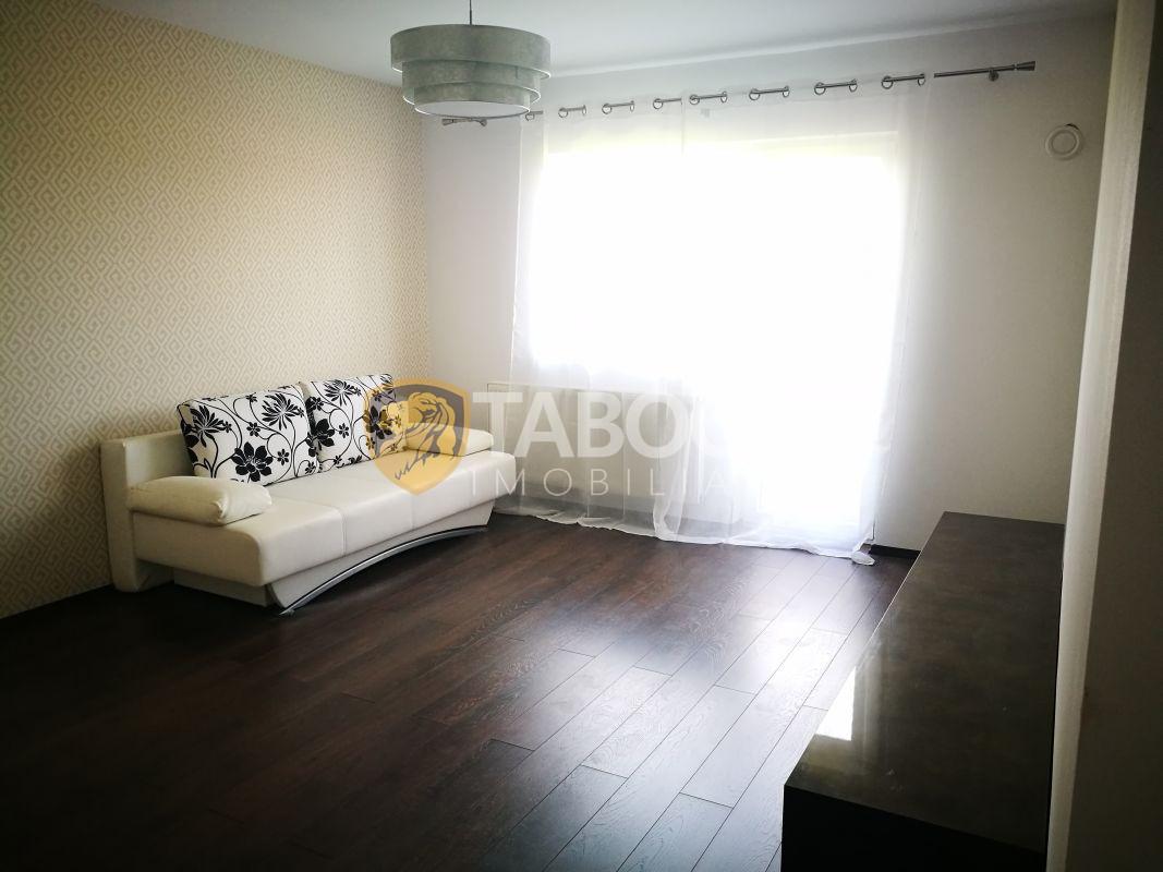 Apartament modern 2 camere balcon si loc de parcare zona Brana 1
