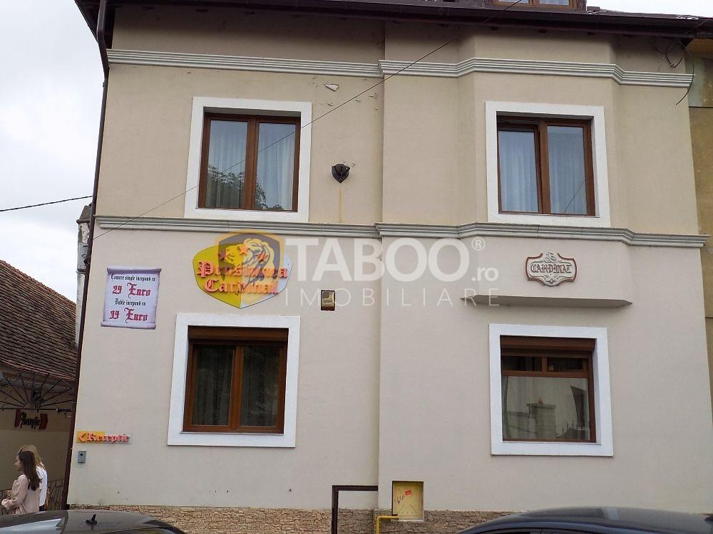 Pensiune zona Bulevardul Victoriei cu 11 camere 650 mp utili Sibiu 1