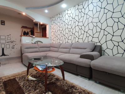 Apartament 3 camere decomandate pivnita de vanzare Sibiu Vasile Aaron