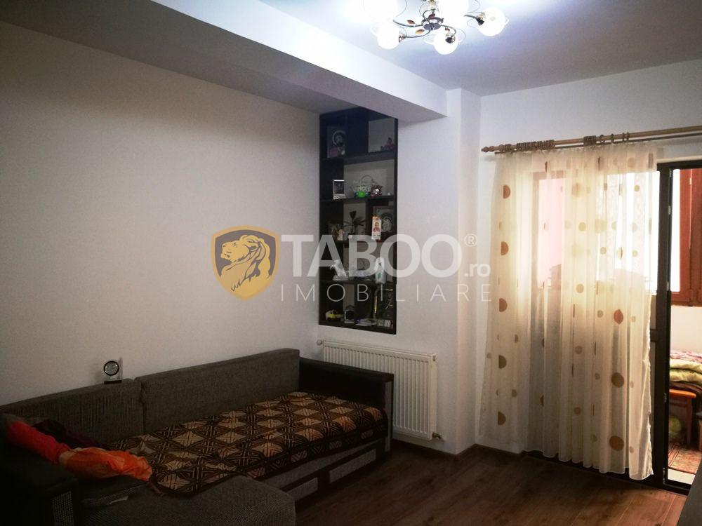 Apartament 3 camere decomandate de vanzare Sibiu zona Mihai Viteazu 1