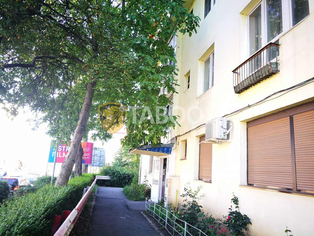 Apartament cu 3 camere si balcon de inchiriat zona Milea OMV 1
