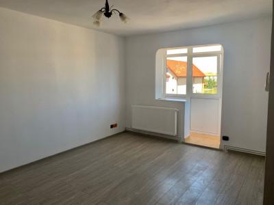 Apartament renovat anul 2020 cu 2 camere si pivnita zona Piata Rahovei