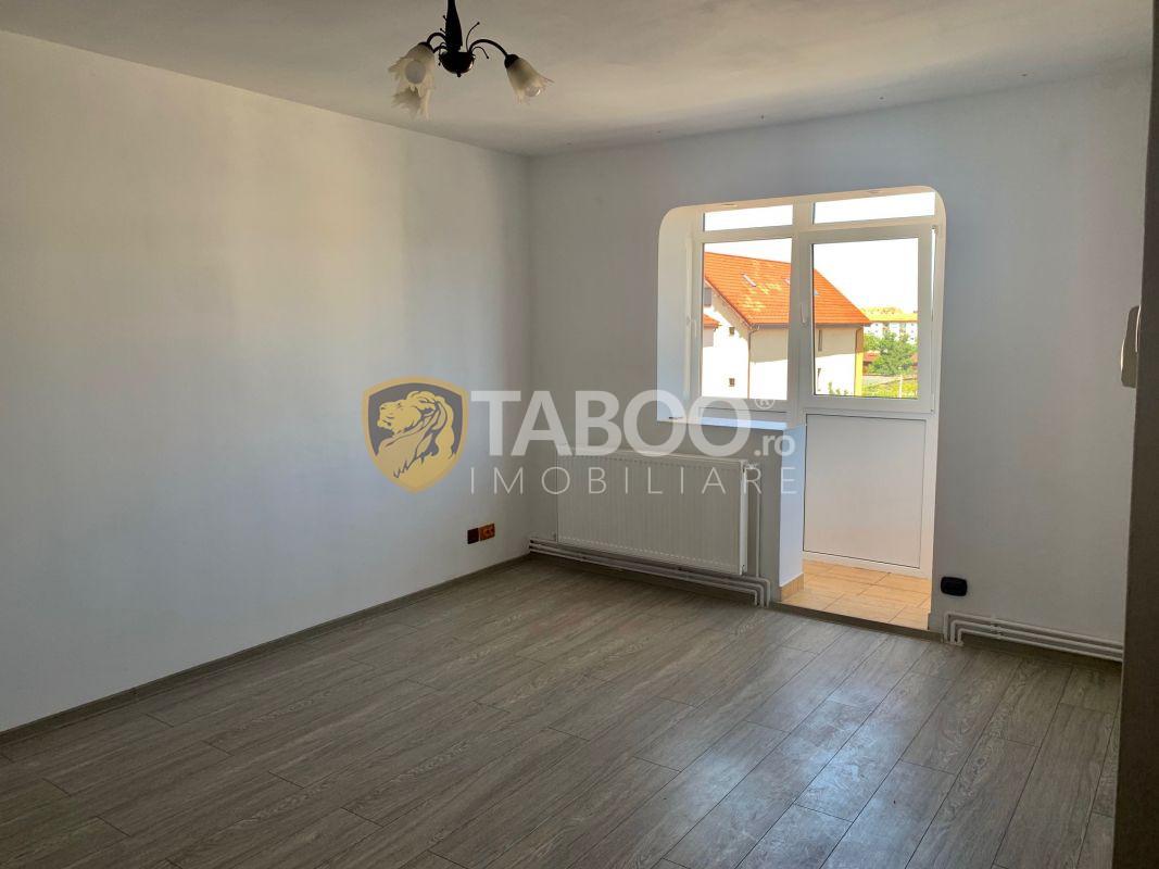 Apartament renovat anul 2020 cu 2 camere si pivnita zona Piata Rahovei 1