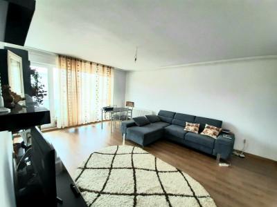 Apartament 3 camere 2 balcoane 2 locuri de parcare zona Doamna Stanca