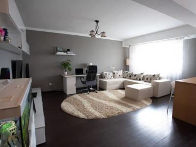 Apartament modern 3 camere mobilat si utilat in Sibiu etaj intermediar