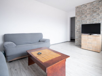 Apartament 2 camere cu balcon si parcare zona Calea Cisnadiei