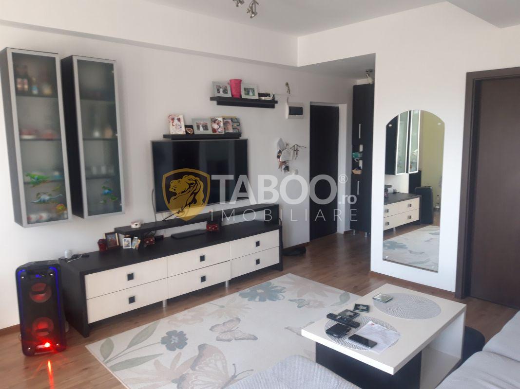 Apartament modern 3 camere parcare de inchiriat zona Valea Aurie Sibiu 1