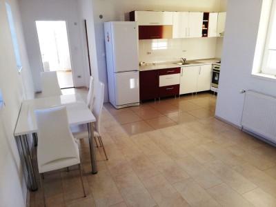 Apartament 3 camere loc de parcare de inchiriat Sibiu Calea Dumbravii